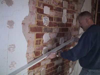 Выравнивание стен штукатуркой – основные этапы получения идеальной поверхности